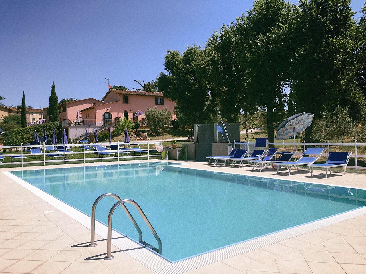 Corte tommasi appartamenti vacanze con piscina in toscana - Piscine in toscana ...